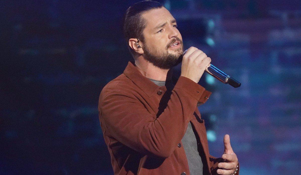 Chayce Beckham singing American Idol ABC