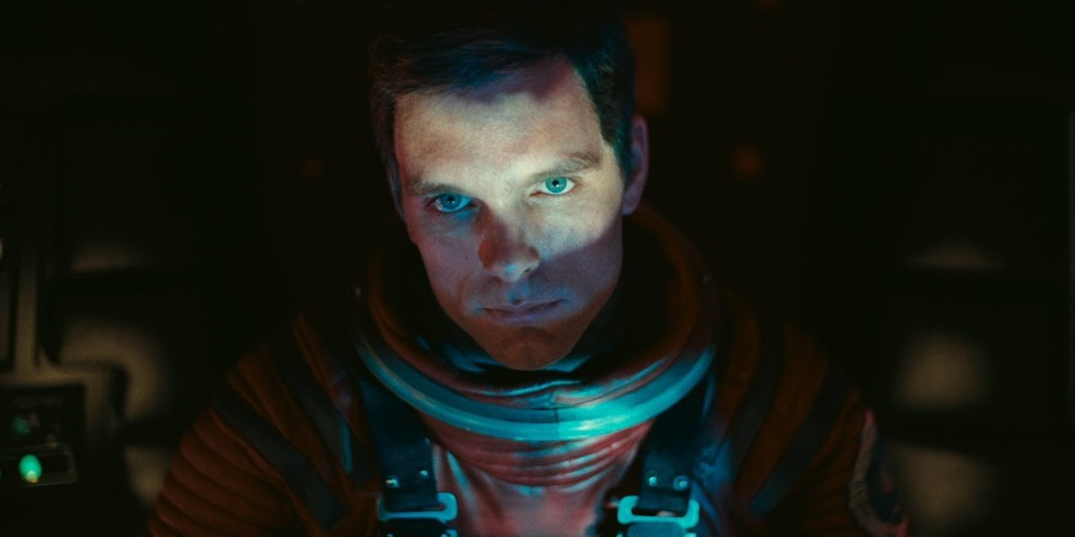 2001: A Space Odyssey Keir Dullea looking puzzled in his space suit