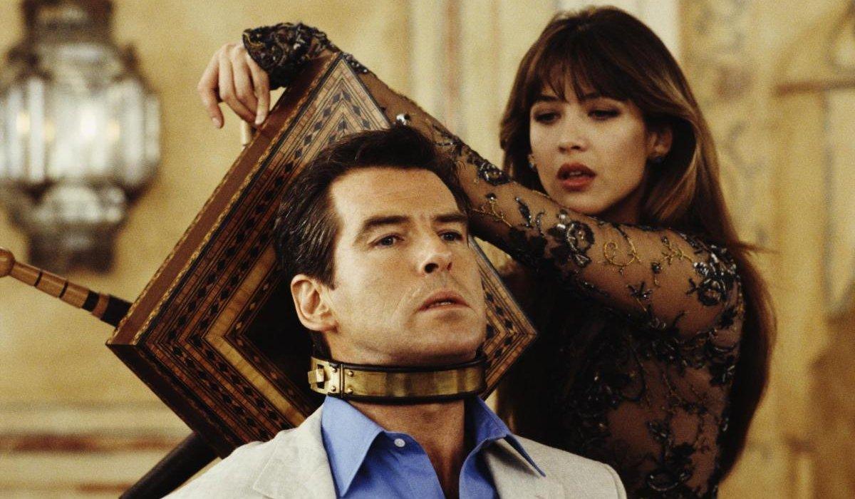 The World Is Not Enough Elektra King tortures James Bond