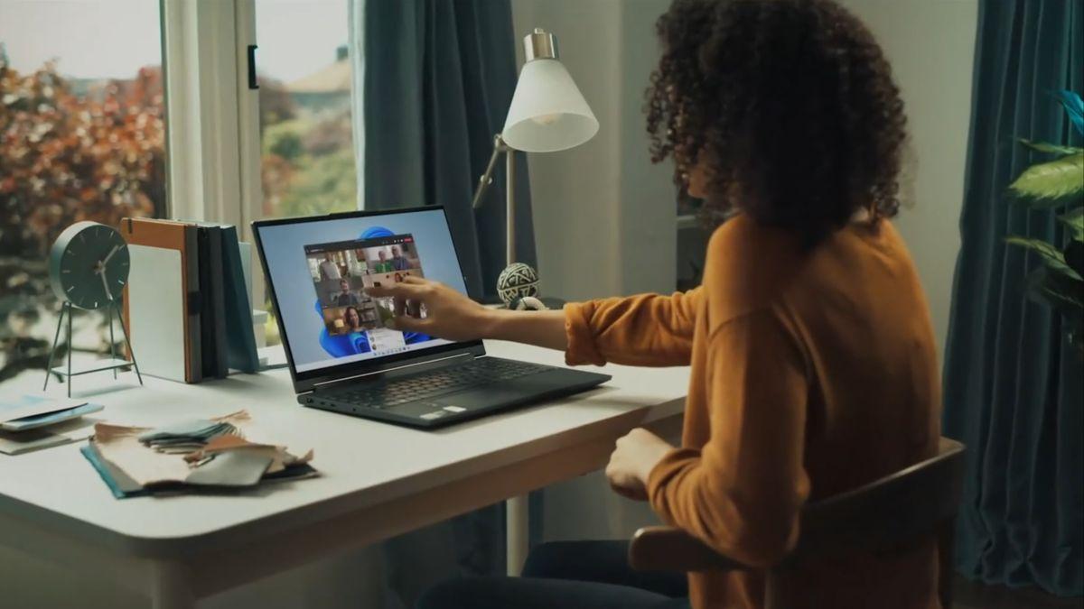 Windows 11 will make Microsoft Teams impossible to ignore