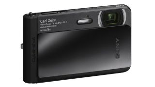 Sony introduces world's slimmest waterproof camera
