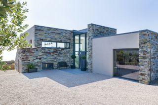 aluminium windows in contemporary house