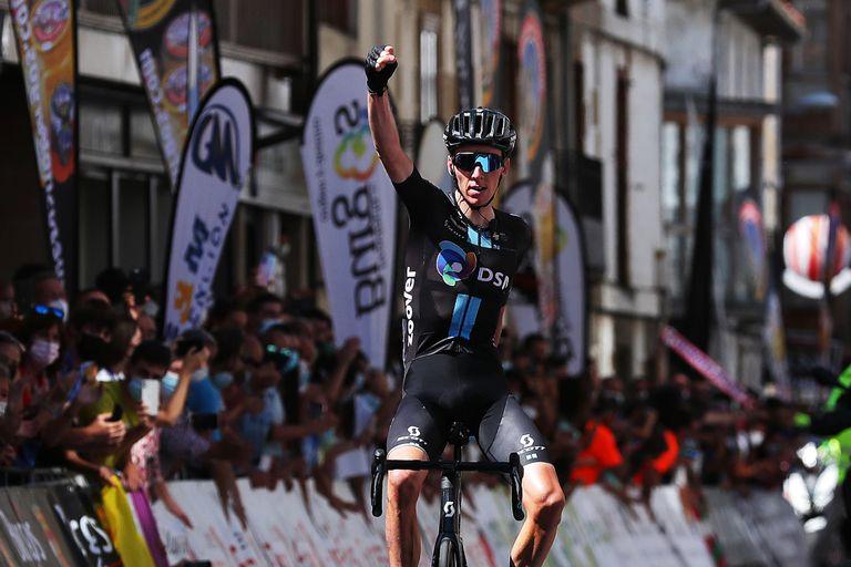 Romain Bardet wins stage three of the Vuelta a Burgos 2021