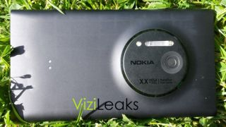 Nokia Lumia 1020 leak claims it's hitting stores this month, spills price info