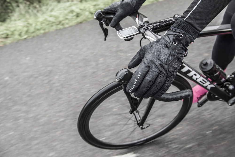 Numb feet and hands when cycling: how to combat the cold