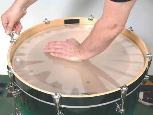 How to tune a bass drum, in 7 steps
