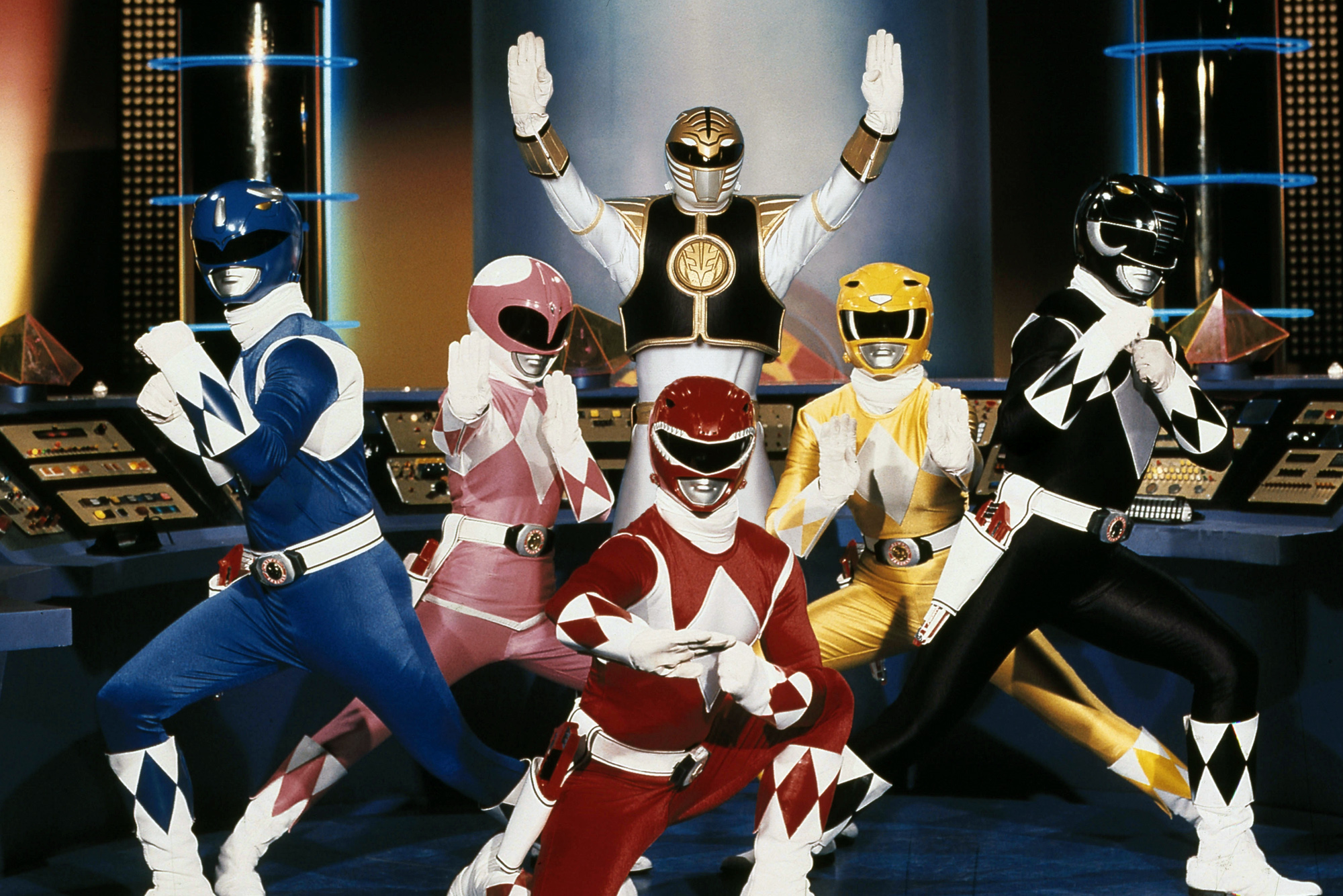 power rangers tv show to become netflix exclusive in 2017 | gamesradar+