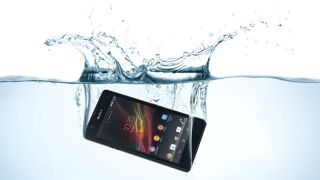 Sony 4.6-inch Xperia ZR wants to get wet