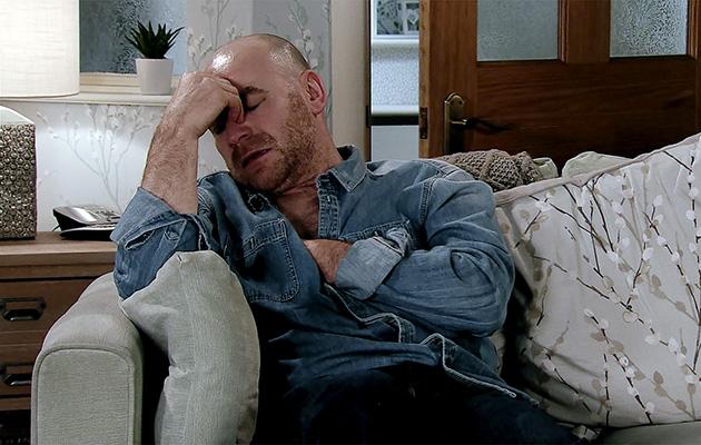 Coronation Street spoilers: Sally calls an ambulance for Tim Metcalfe!