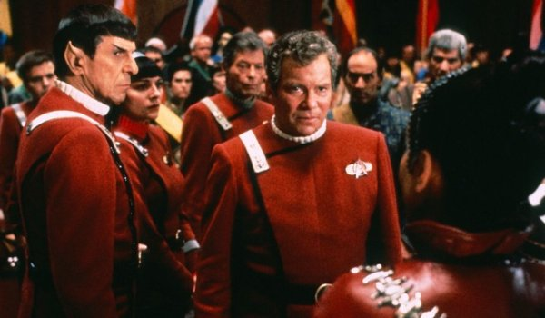 Star Trek VI: The Undiscovered Country Captain Kirk meets with a Klingon deligate
