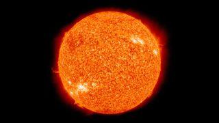 16 августа 1868 года французский астроном Жюль Янссен сделал фотографии спектра Солнца во время полного солнечного затмения в восточном индийском городе Гунтур.