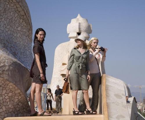 Vicky Cristina Barcelona - Rebecca Hall, Patricia Clarkson & Scarlett Johansson in Woody Allen's Spanish comedy