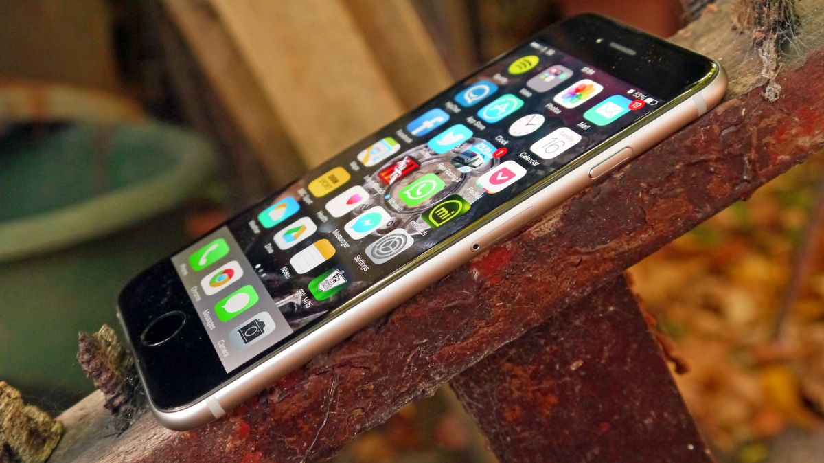 what is the newest iphone called ee s iphone customers can now wi fi call thanks to ios 8 3 19565