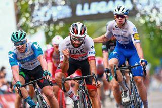 Fernando Gaviria wins stage 4 at Vuelta a San Juan
