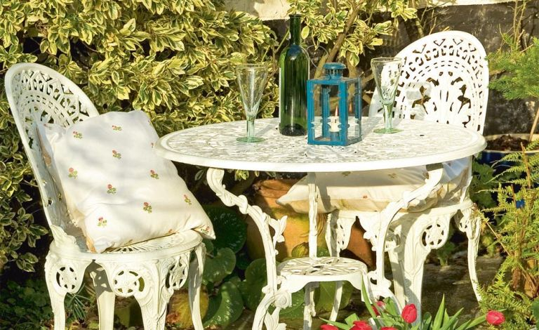 Reviving Metal Garden Furniture
