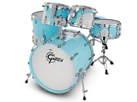The kit is finished in a two-tone Motor City Blue lacquer.