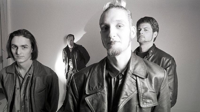 Pearl Jam\'s Mike McCready talks Layne Staley and Mad Season\'s Above ...