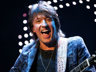 A sold-out world tour. Twelve nights at the O2 Arena. No wonder Richie's a happy man!