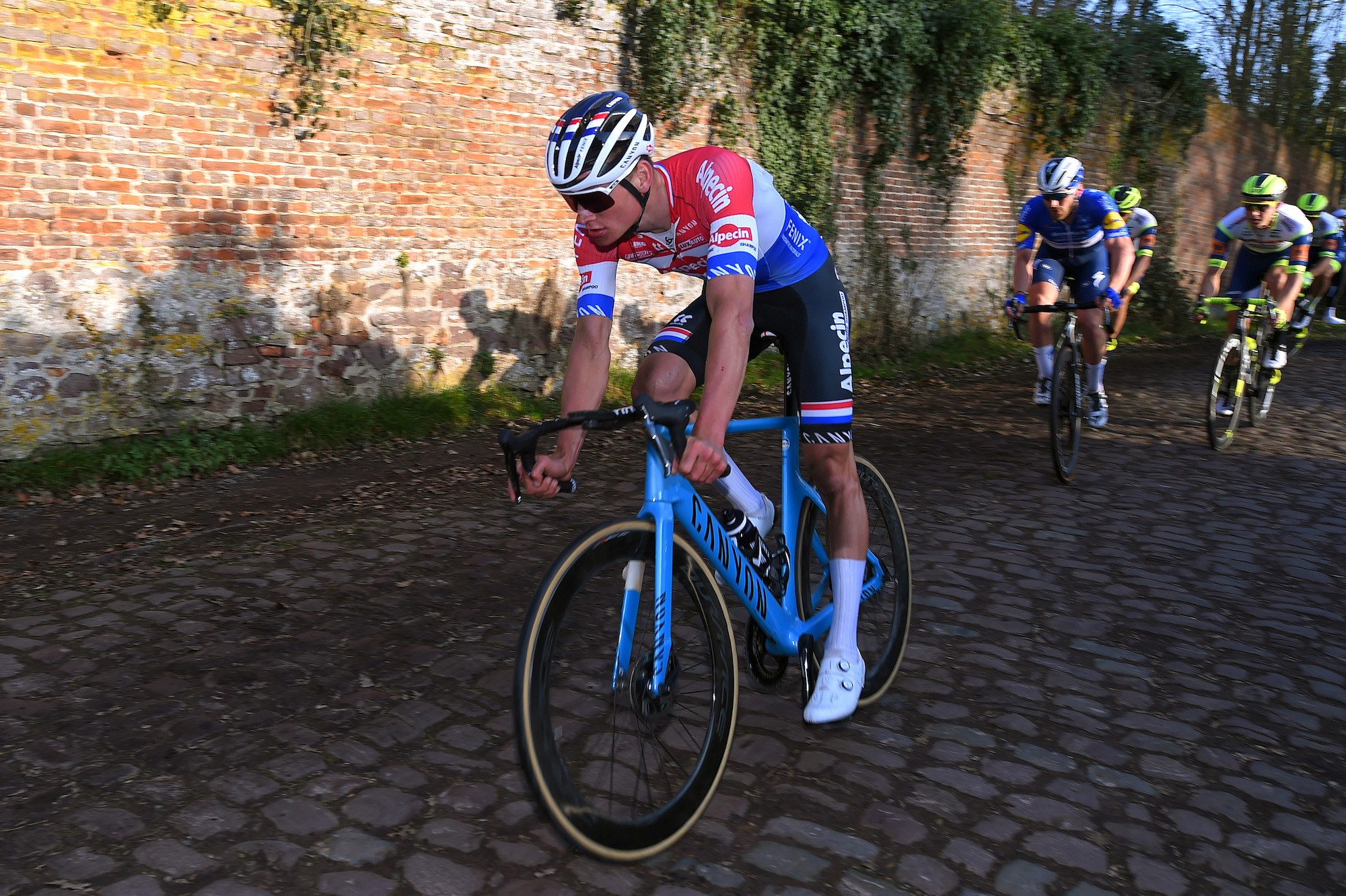 'My handlebars broke on the long cobble sector': Mathieu van der Poel on his misfortune in Le Samyn final - Cycling Weekly