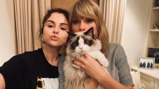 Taylor Swift joins TikTok - photo of the singer with Selena Gomez and her rag doll cat Benjamin Button