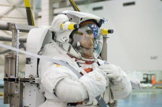 Mission Atlantis: Spacewalk Rookies Poised for First Flight