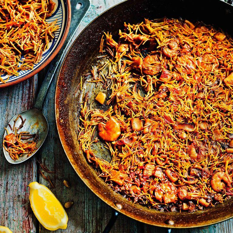 paella with pasta photo