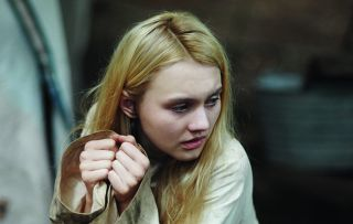 I Am Elizabeth Smart reports on the 2002 kidnapping of 14-year-old Elizabeth Smart from her home in Salt Lake City