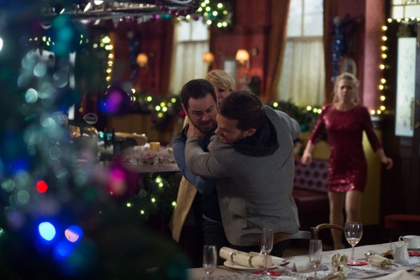 Mick Carter attacks Dean Wicks in EastEnder