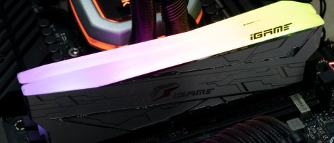 Colorful iGame Vulcan DDR4-4266 C18