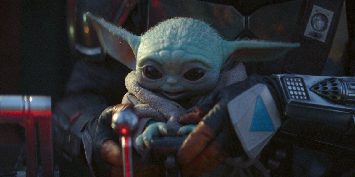 baby yoda in the madalorian ship