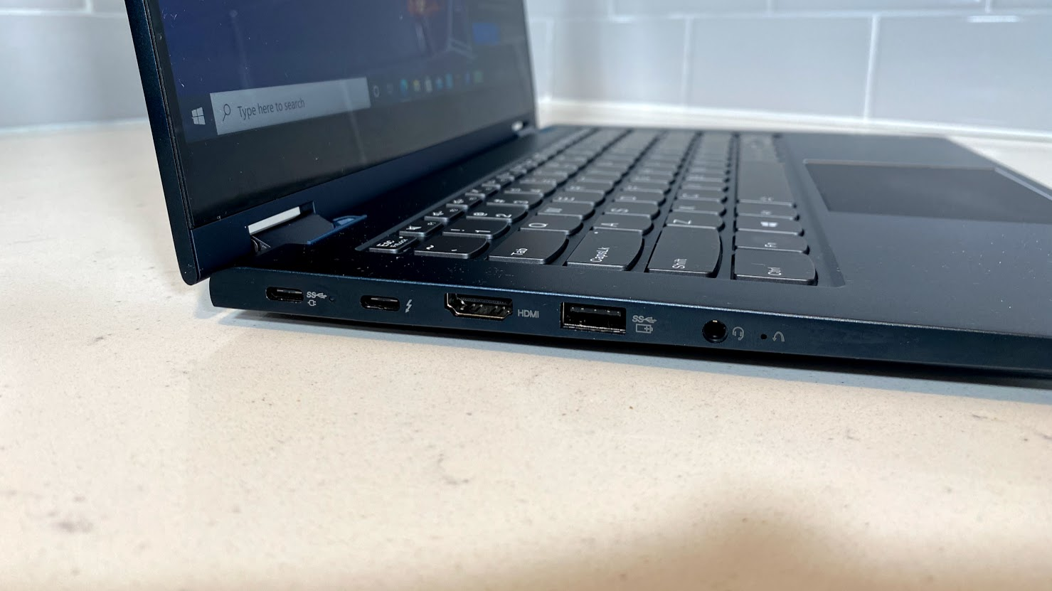 Lenovo ThinkBook 14s Yoga review - left ports