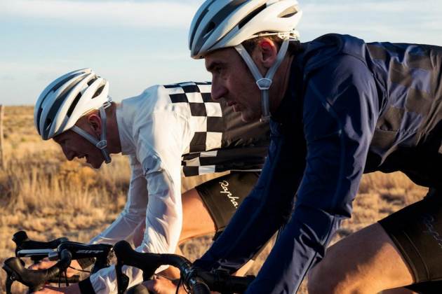 Over 600 discounted products on offer in the latest Rapha sale ... 3d133f37c