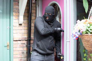 Warren Fox breaks into Price Slice in Hollyoaks