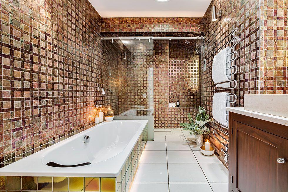 Glamorous en suite bathroom renovation. Luxury en suite   Real Homes