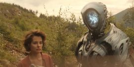 Netflix's Full Lost in Space Trailer Is Here, And It Answers Tons Of Questions