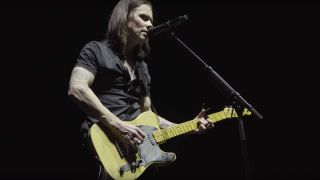 Myles Kennedy performs live with Jeff Buckley's Telecaster