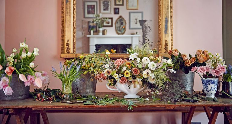 How to make a table centerpiece like these