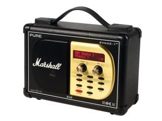 Government tentatively supports digital radio industry's plans to switch off FM and AM radio signals by 2015