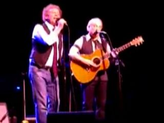 Old friends Simon Garfunkel sing for New York