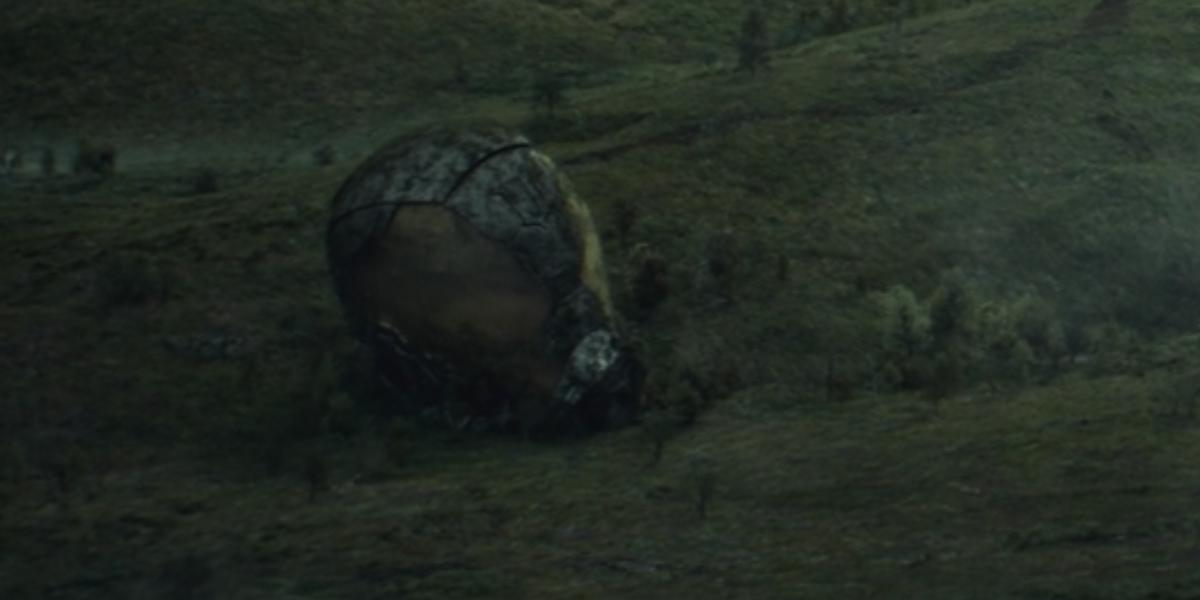 giant yellowjacket helmet in loki episode 5