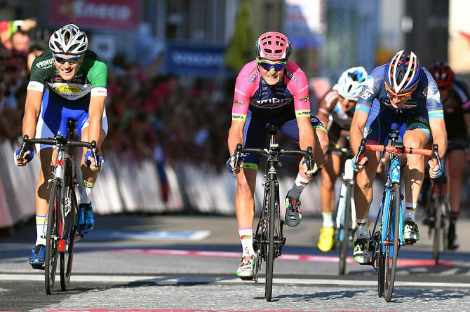 Luka Pibernik (Lampre-Merida) wins breakaway sprint