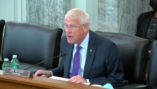 Sen. Roger Wicker wants to see the FCC's USF books
