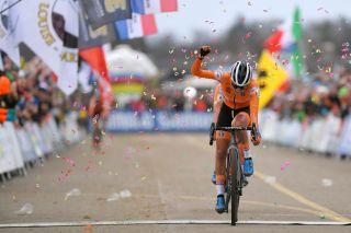 The Netherlands' Ceylin del Carmen Alvarado wins the elite women's cyclo-cross World Championships in Dübendorf, Switzerland, in 2020