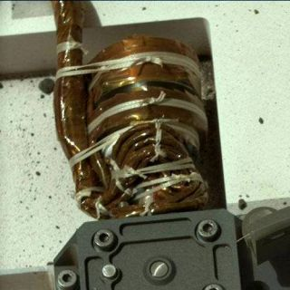 Knots securing equipment on Curiosity's deck.