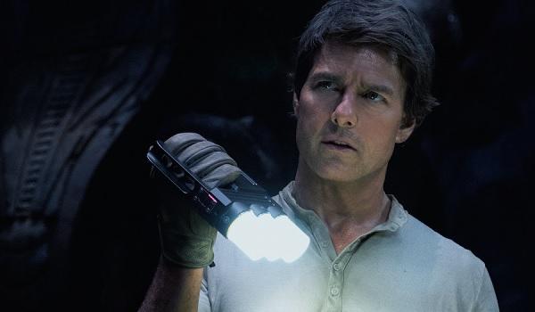 The Mummy Tom Cruise exploring by flashlight