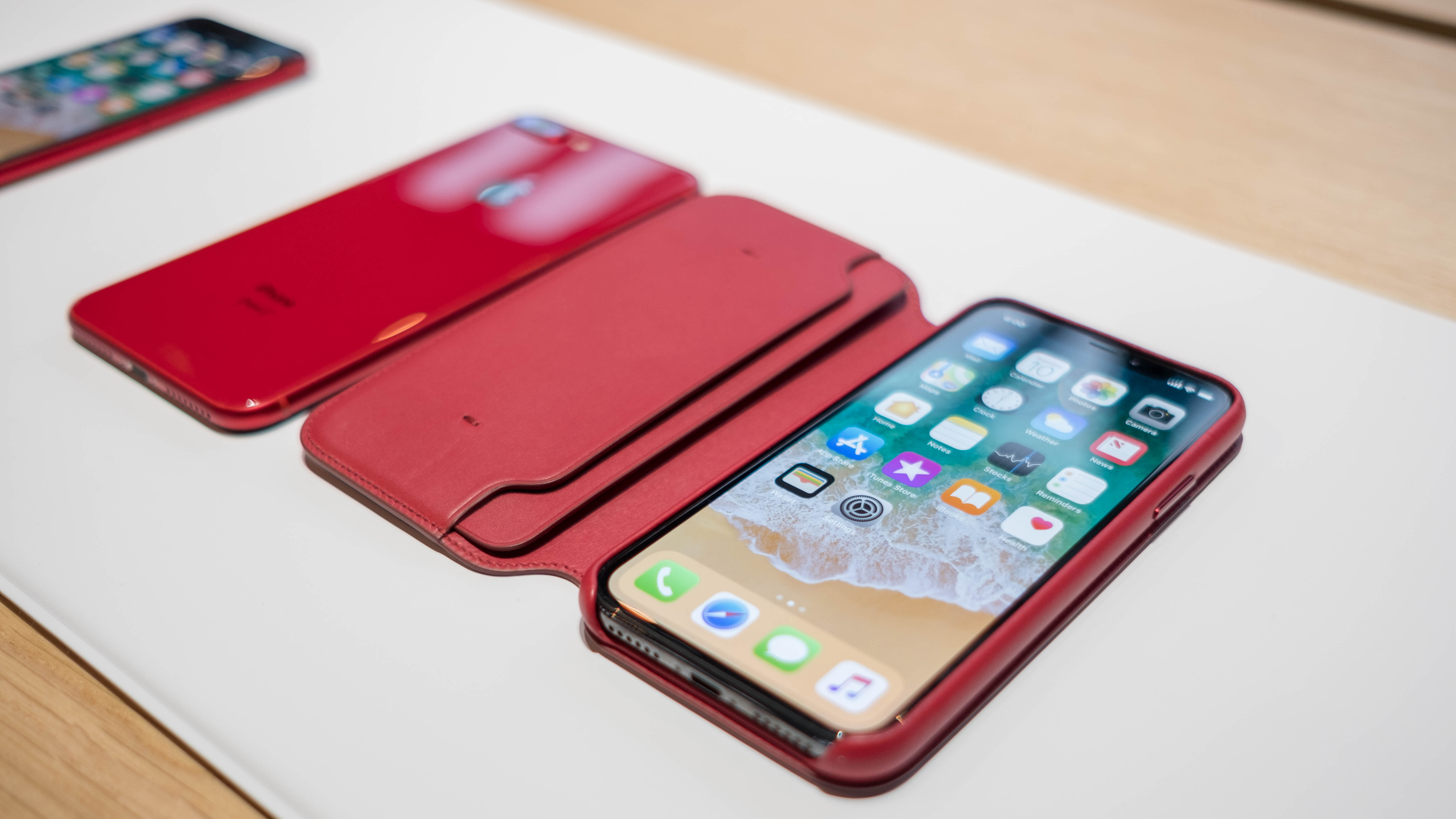 15 Product Red Iphone 8 And Iphone 8 Plus Photos Apple S New Bold