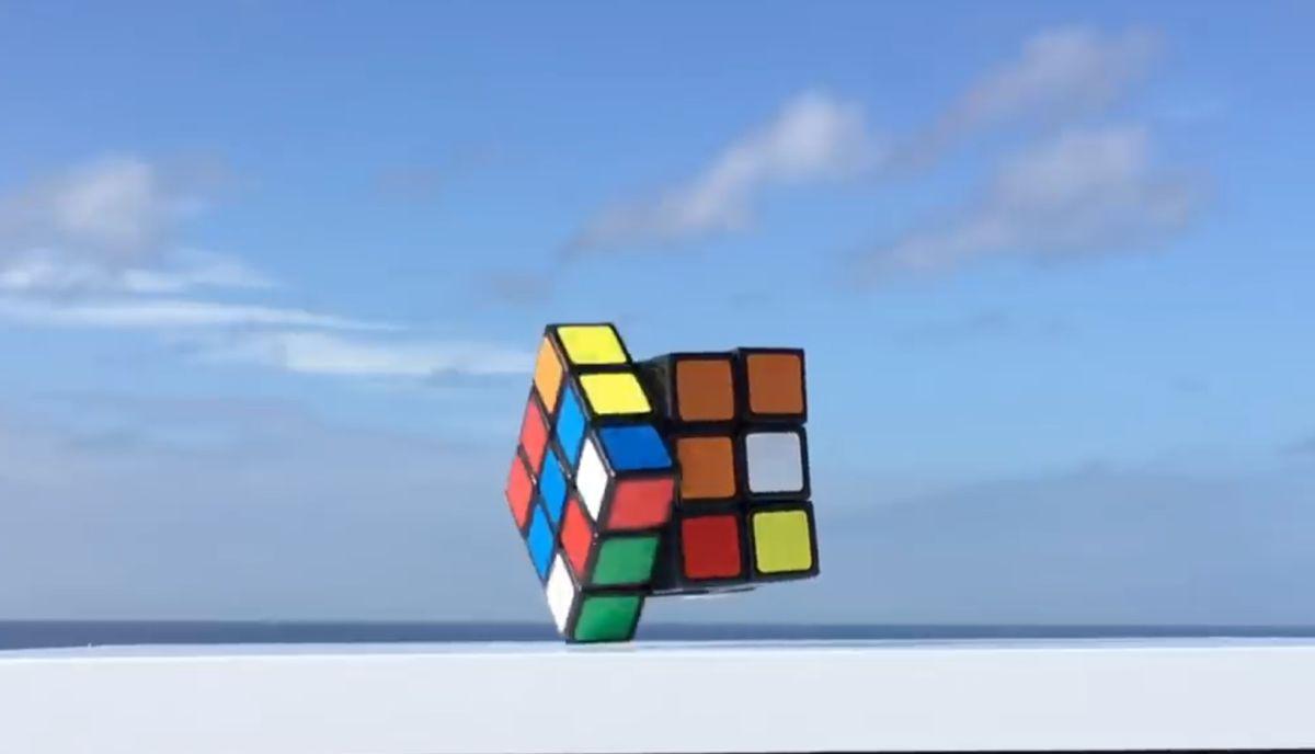 Levitating self-solving Rubik's Cube