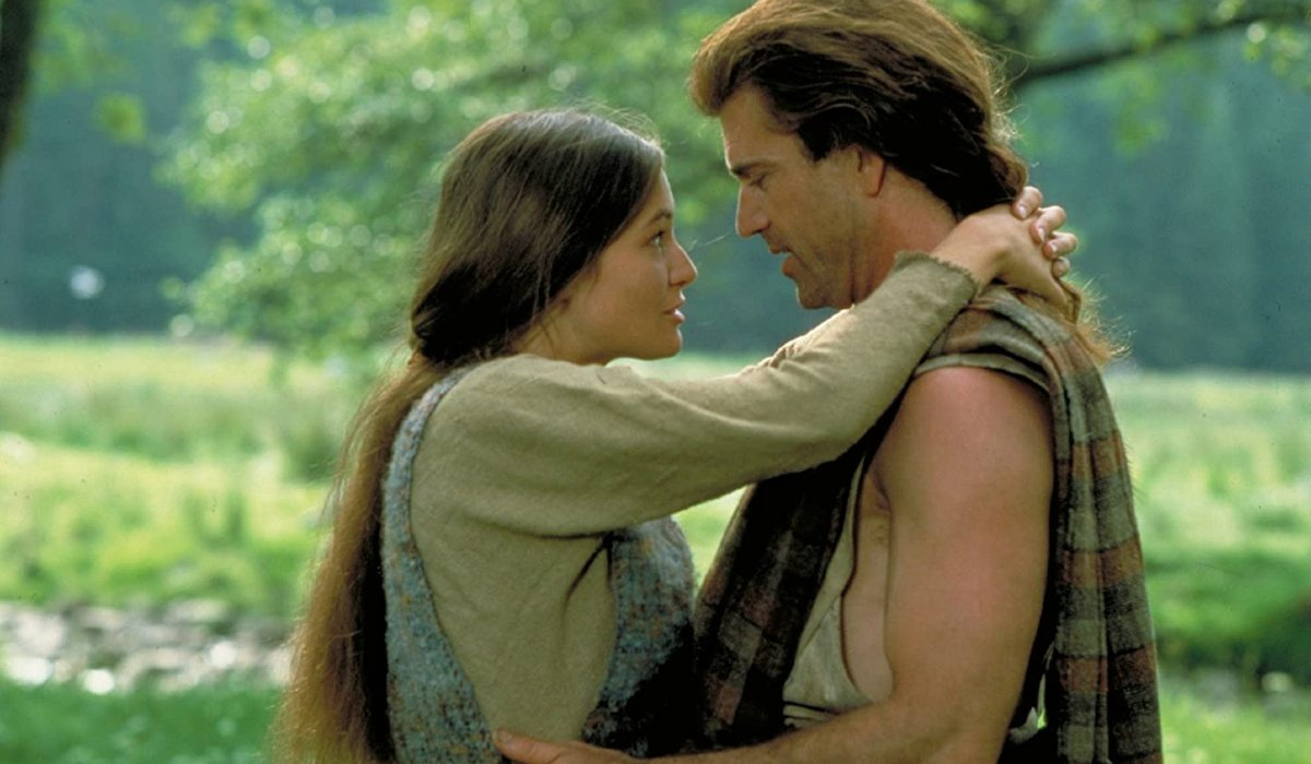 Braveheart Catherine McCormack and Mel Gibson embracing in the woods