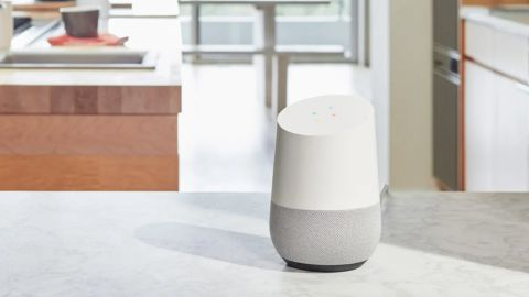 Google Home intelligenter Lautsprecher Test