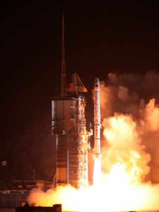Chinese Military Communications Satellite Reaches Orbit